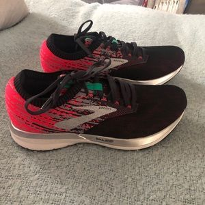 Brand New Brooks Sneakers